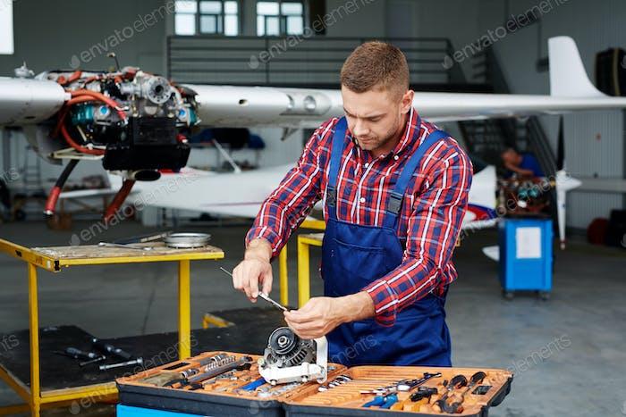 Modern repairman