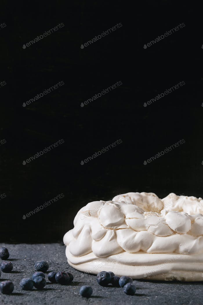 Meringue for Pavlova with blueberries
