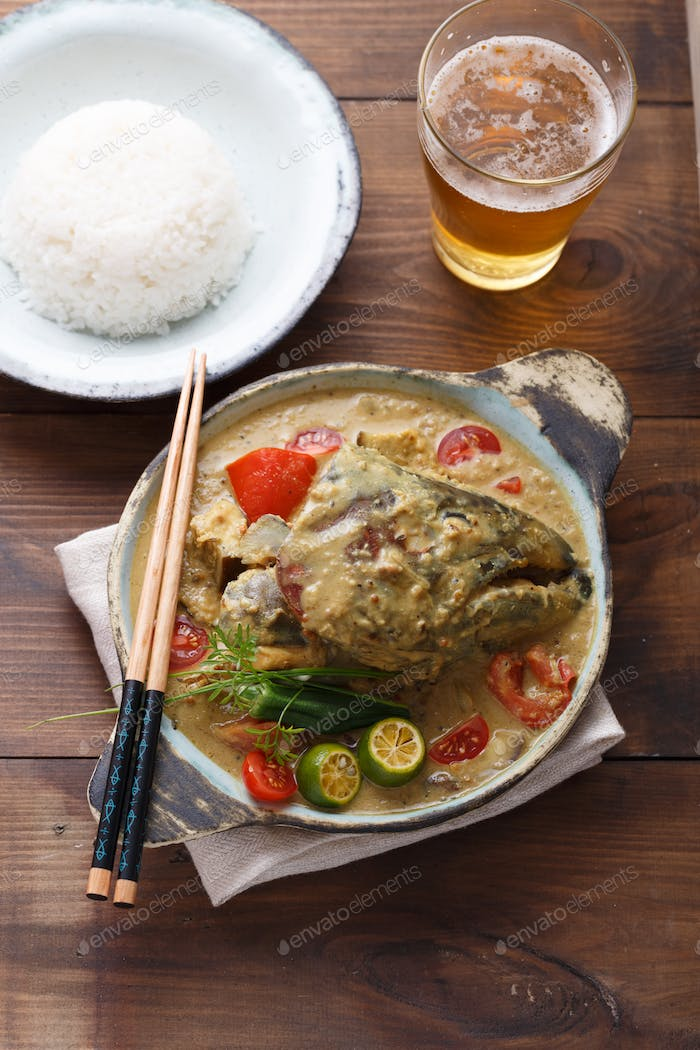 Curry fish head, Traditional singaporean cuisine