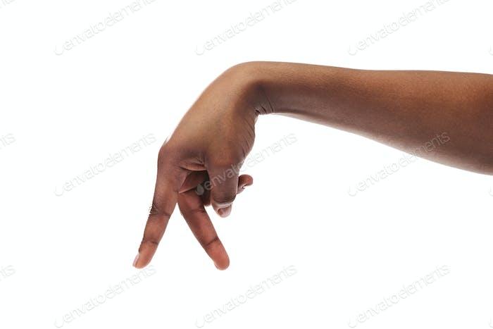Schwarze Frau Hand zu Fuß mit den Finger auf weißem Hintergrund isoliert
