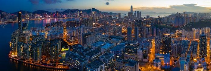 Hung Hom, Hong Kong 15. Mai 2019: Blick auf Hong Kong Wohnviertel bei Nacht