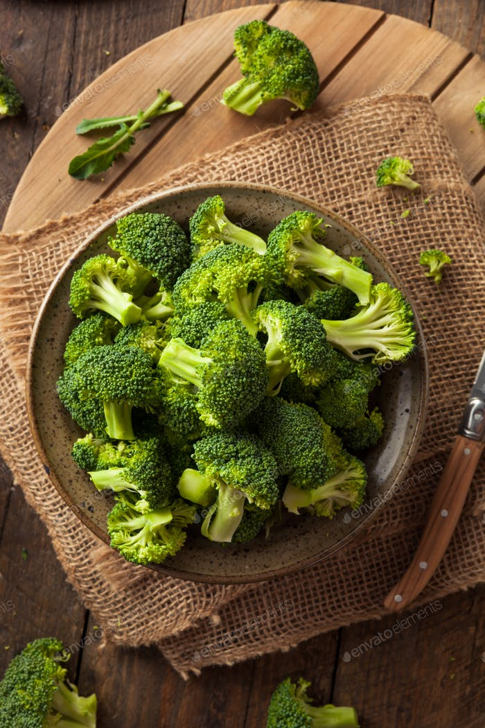 Healthy Green Organic  Raw Broccoli Florets