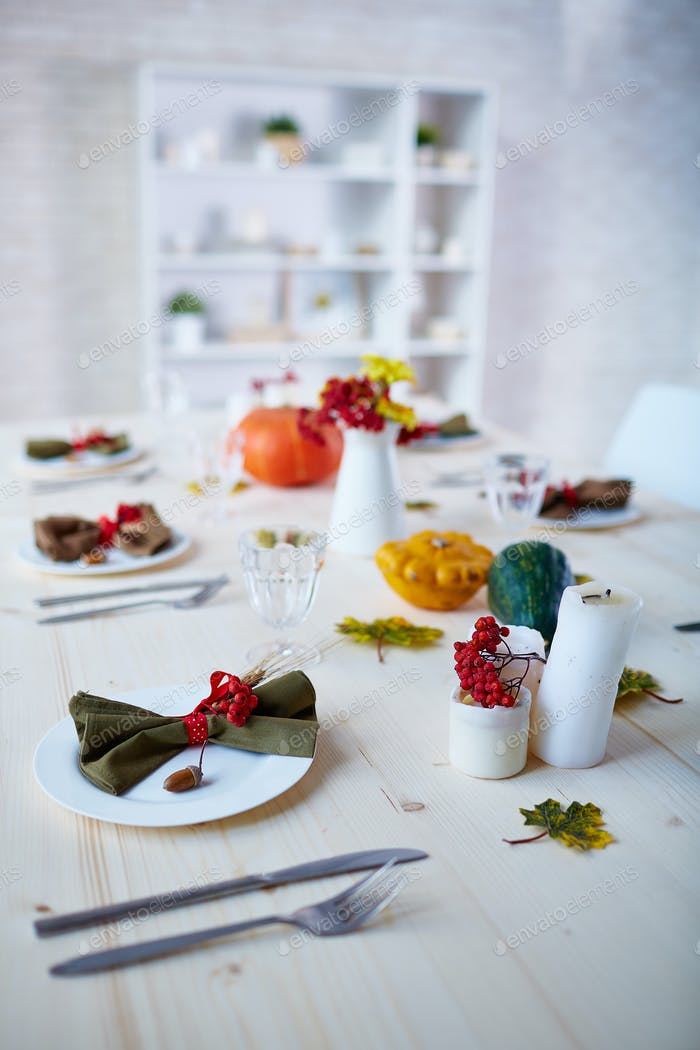 Thanksgiving served table