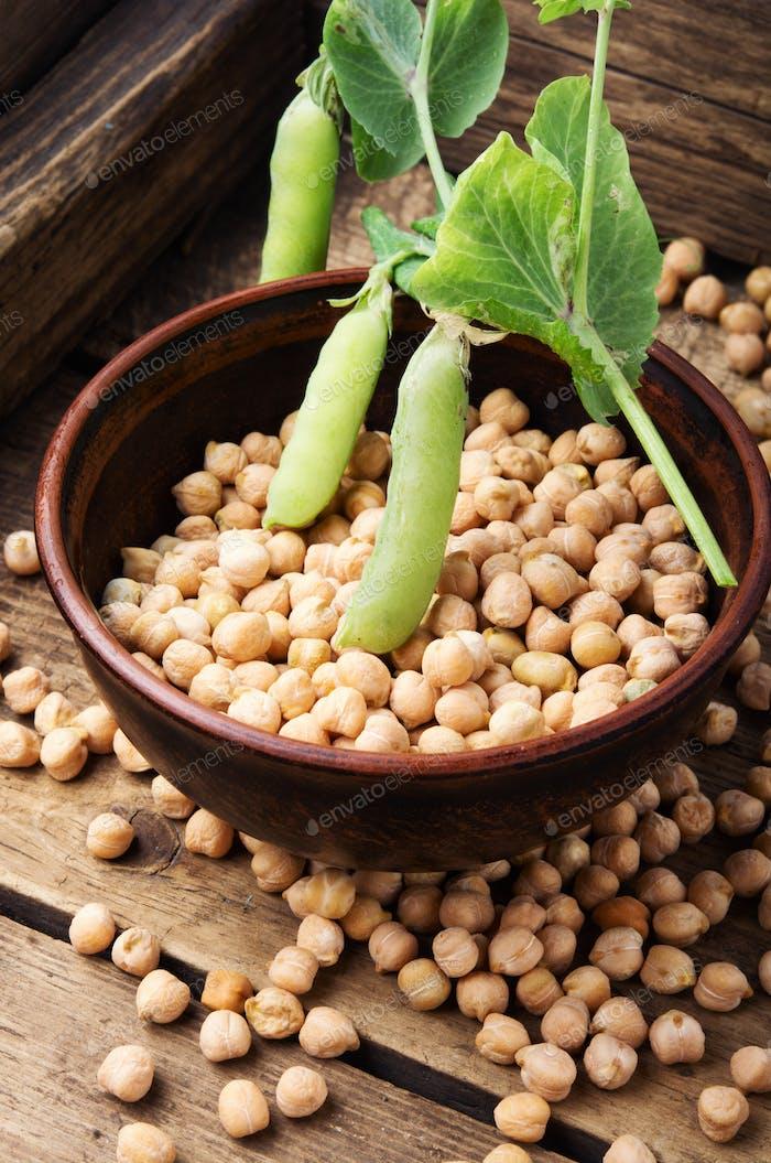 Chickpeas, the basis of vegetarian cuisine