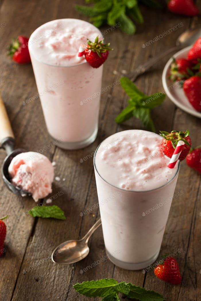 Refreshing Homemade Strawberry Milkshake