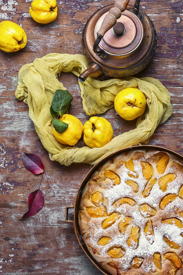 Pie with quinces