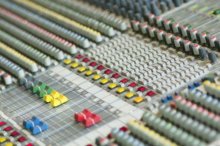 Sound control keyboard