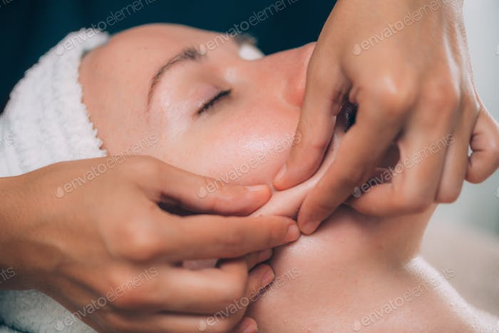 Face Lifting Massage, Pinch and Roll Technique