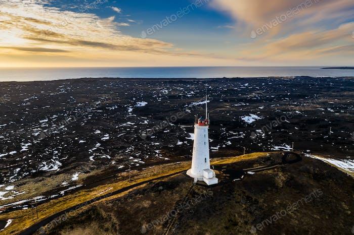 Leuchtturm von Reykjanesviti auf der Halbinsel Reykjanes im Süden Islands