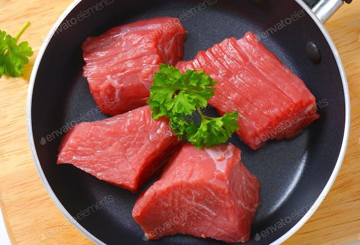 gewürfeltes rohes Rindfleisch