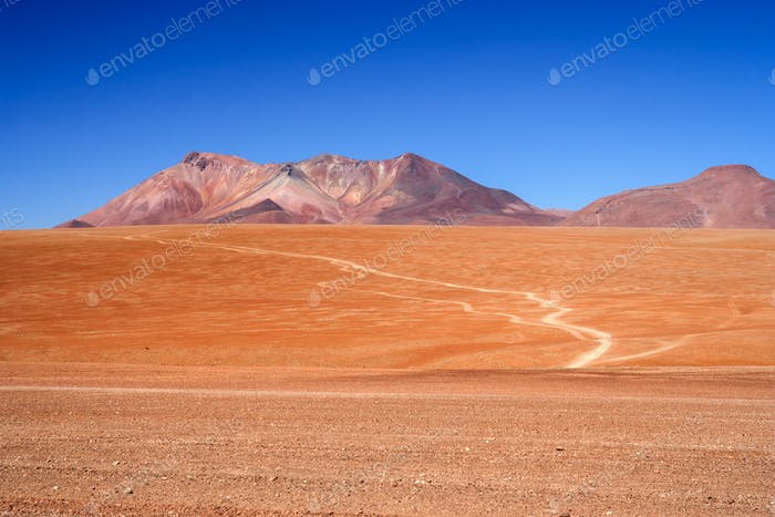 Altiplano Road to the pass