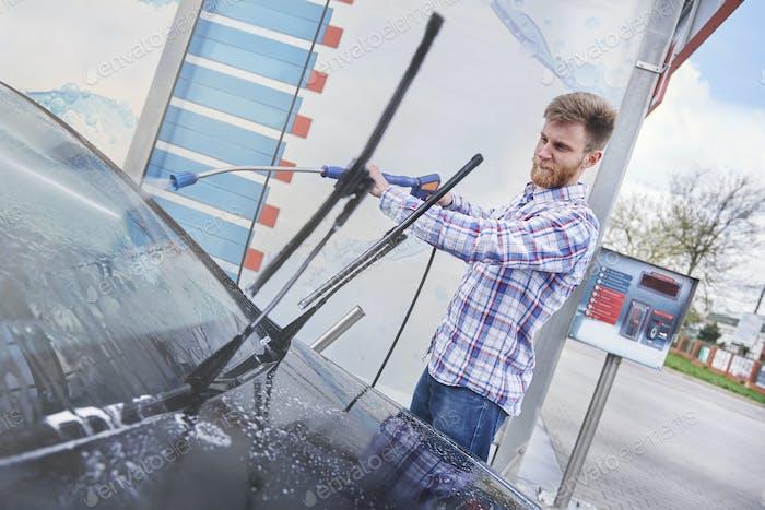 Nach der Reinigung wird mein Auto wie ein neuer