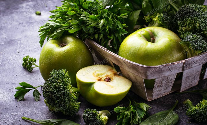 Detox green vegetables and fruits.