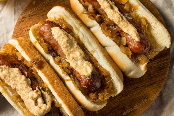 Hausgemachte Bratwurst Sausage Sandwiches