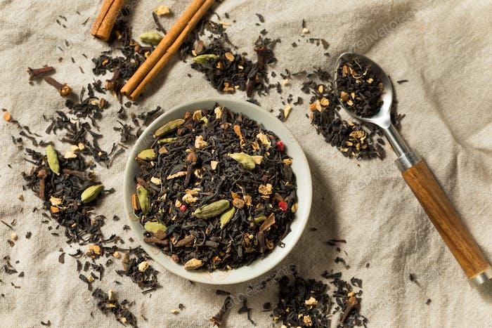 Trockener organischer Chai-Schwarztee