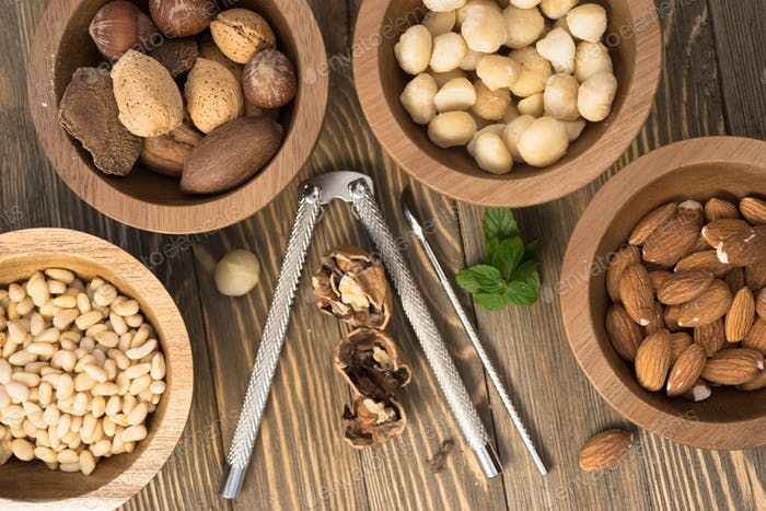 Mixed Nuts Pine Almonds Macadamia Walnuts Nutcracker
