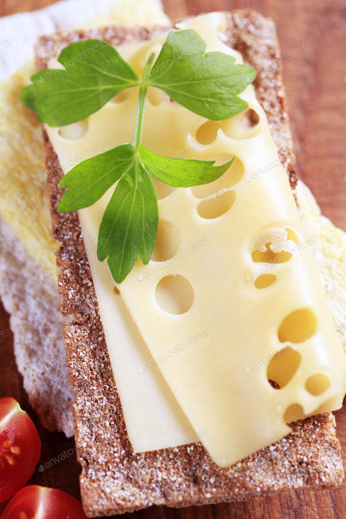 Crisp bread and cheese