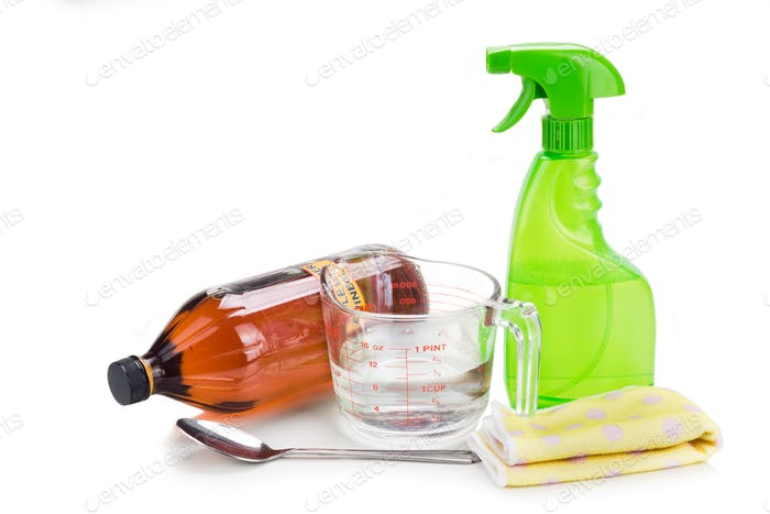 Apple cider vinegar, effective natural solution for house cleani