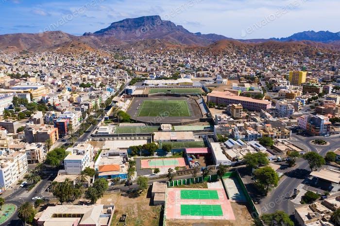 Luftaufnahme der Stadt Mindelo auf der Insel Sao Vicente in Kap Verde