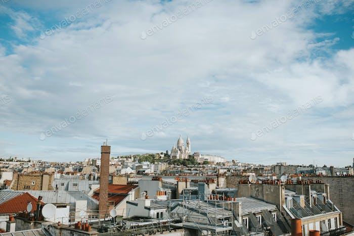 Dächer von Paris mit Montmartre