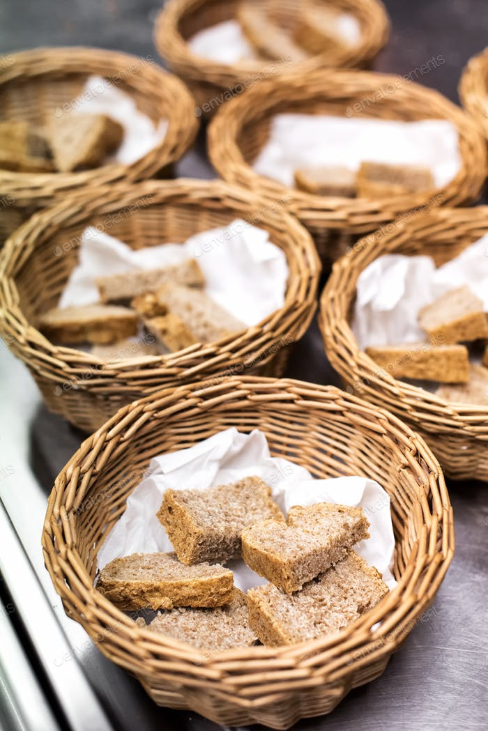 Fresh sliced wholewheat bread in baskets