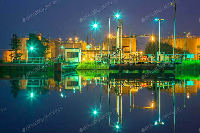 Docking site refinery