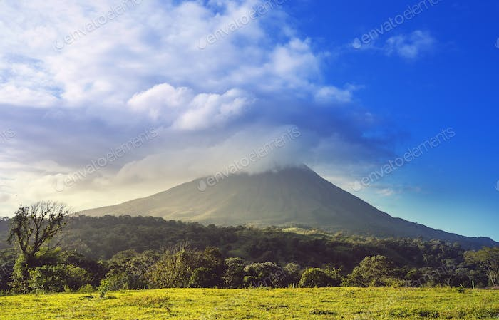 Thumbnail for Arenal volcano