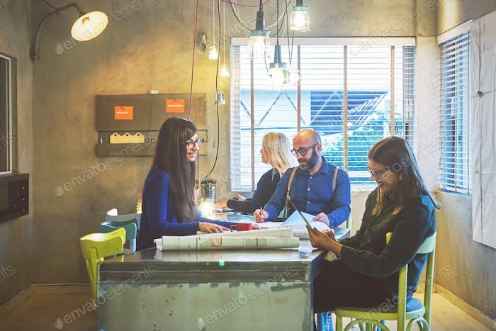 Team von Architekten Menschen, Meeting-Konzept