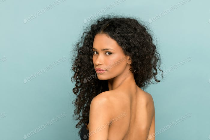 Beauty portrait of a Afro American woman