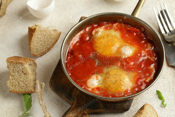 Fried Eggs in Tomato Sauce