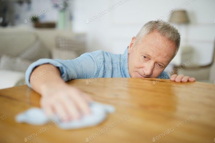 Rubbing table