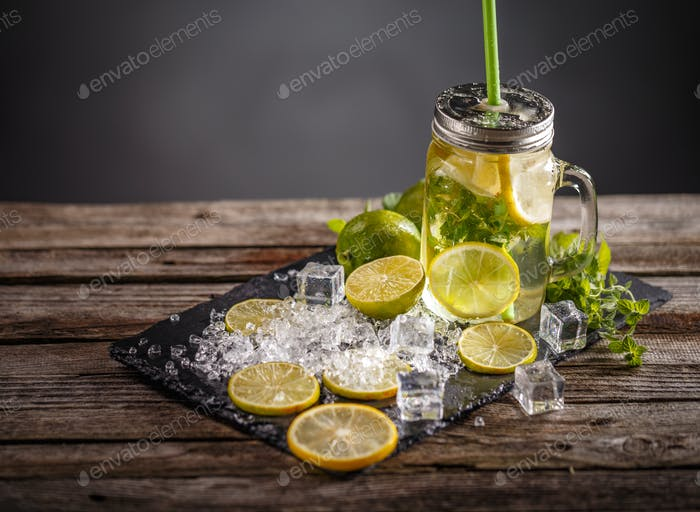 Refreshing summer lemonade