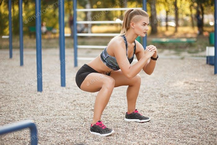 Outdoor deep squat