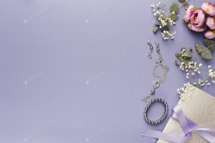 Choosing wedding jewelry background