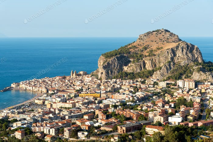 Das Dorf Cefalu in Sizilien