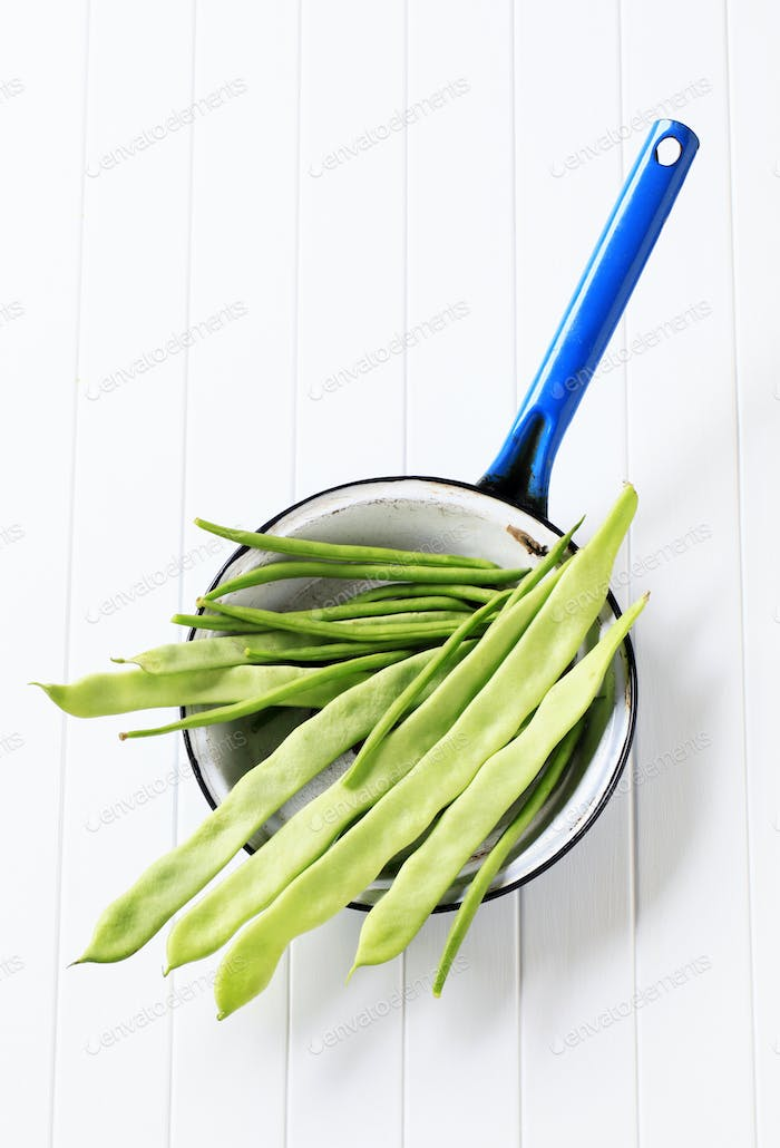 Green beans and snow peas