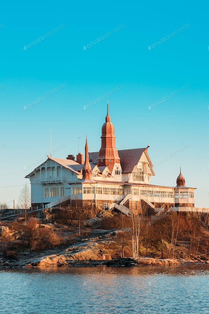 Helsinki, Finlandia. vista de la Isla de Luoto en soleado invierno mañana