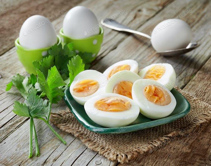 verschiedene gekochte Eier