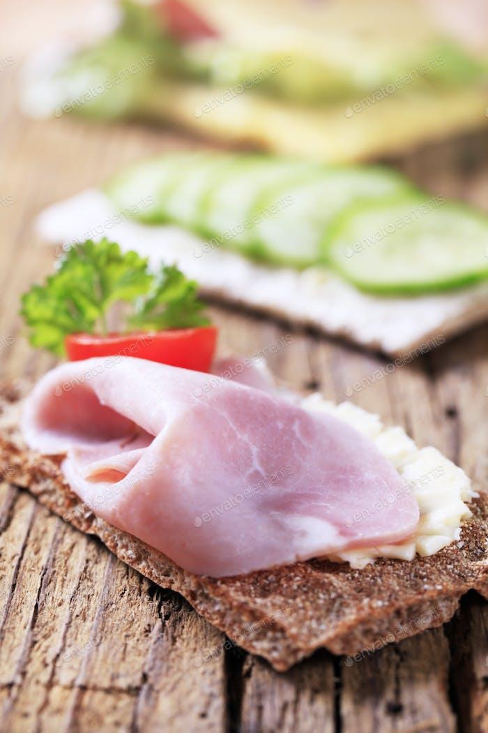 Crisp bread and ham