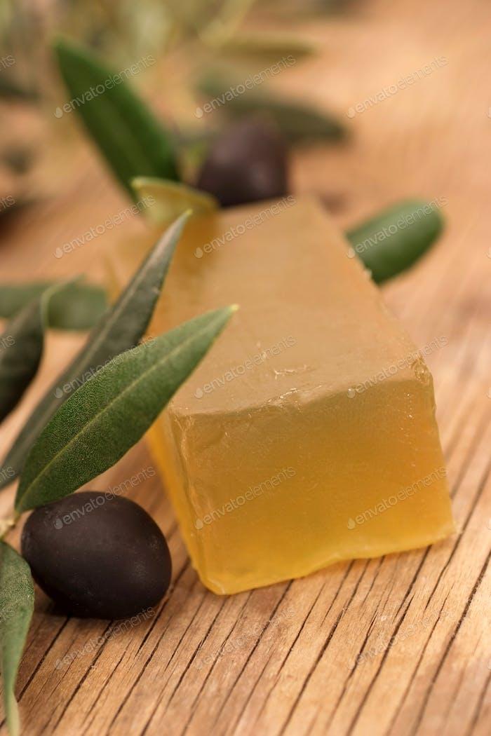Hausgemachte Seife aus Olivenöl