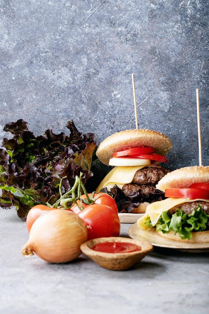 Homemade hamburger with fresh vegetables