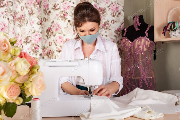 A seamstress in a mask, a small business in the conditions of the coronavirus