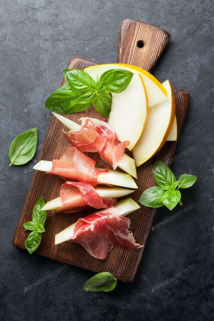 Melon with prosciutto and basil