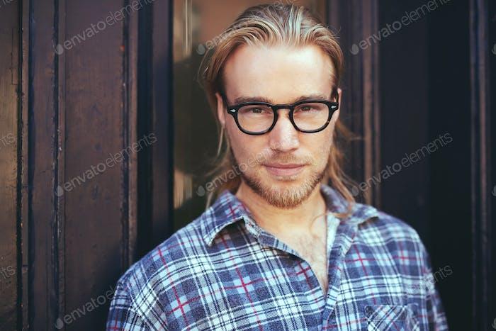 Nahaufnahme Porträt des blonden Mannes