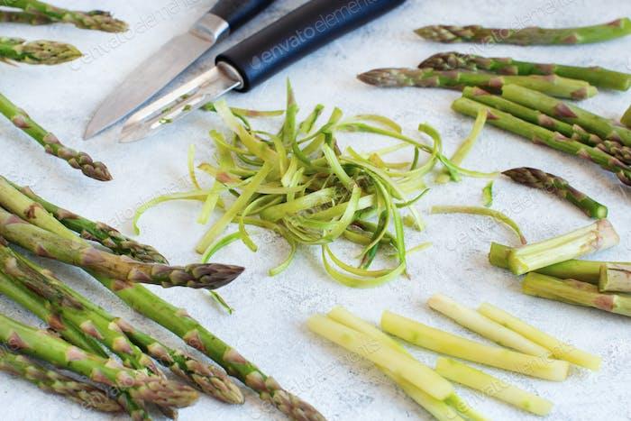 Peeling fresh asparagus