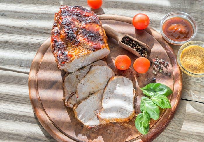 Grilled pork with fresh vegetables