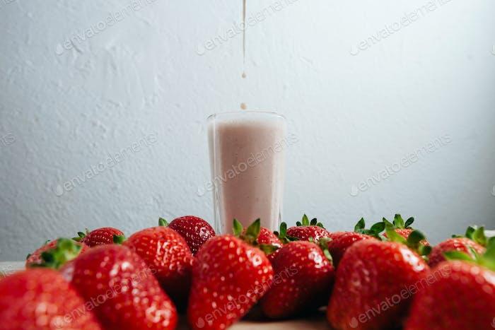 Erdbeer-Smoothie Milchshake frisch gemischt
