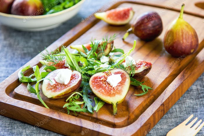 Fig with Goat cheese and Rocket salad