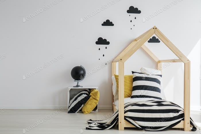 Monochromatic decoration of kid room