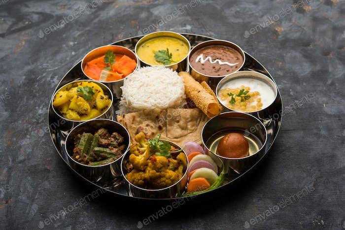 Indische vegetarische Speiseplatte oder Thali